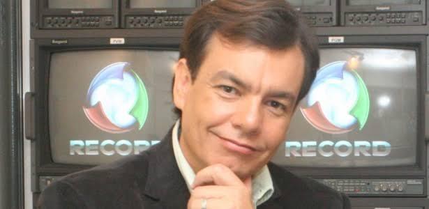 Após 10 anos, Vinícius Dônola pede demissão na Record Tv